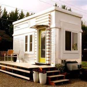tiny homes oregon oregon makes tiny home from trailer sells it on