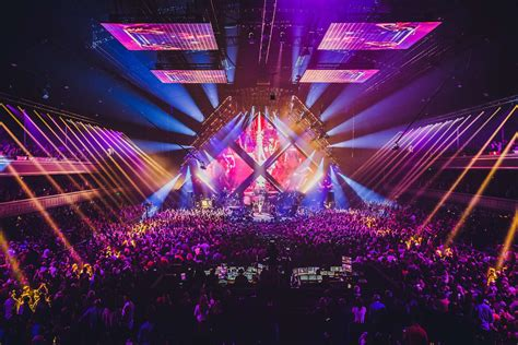 minneapolis armory concert capacity pollstar the armory minneapolis gets live nation booking