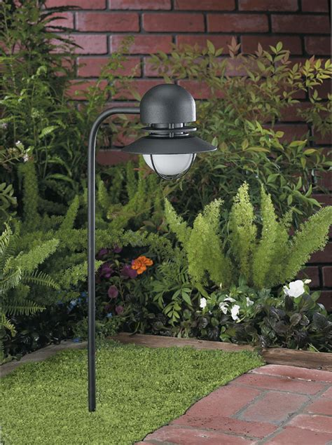 line voltage 120v landscape lighting guide hooks lattice