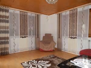 schiebegardinen wohnzimmer schiebegardine f 252 rs wohnzimmer mit beige braunen schals