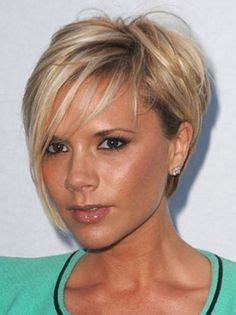 inverted layered bob with bangs shows off eyes mobile hair articles victoria beckham the hair chameleon