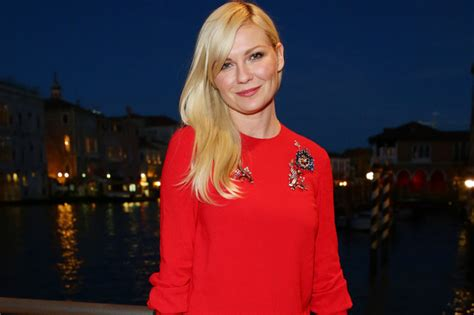 Ignorant Of The Day Kirsten Dunst by Kirsten Dunst S Dress Look Of The Day Livingly
