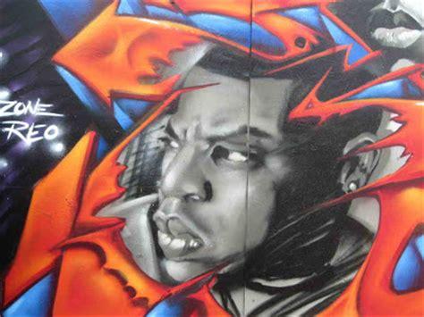 newsgraffity   graffiti art mural face  juseone