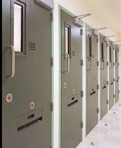 supermax prison books gao report questions widespread use of solitary