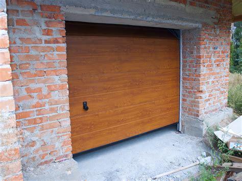 garage bois 2634 when to call for an emergency garage door repair