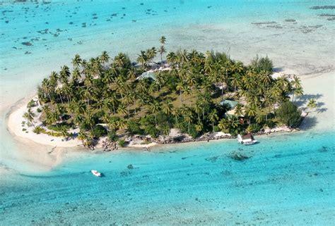 exclusive island resorts