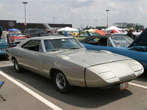 Modified Cars: 1969 Dodge Charger Daytona