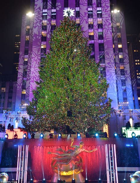 history of the rockefeller center tree daily mail