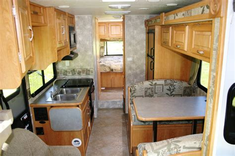 Hi Lo Travel Trailer Floor Plans vacation rv rentals class c 28 foot rv rental with slide out
