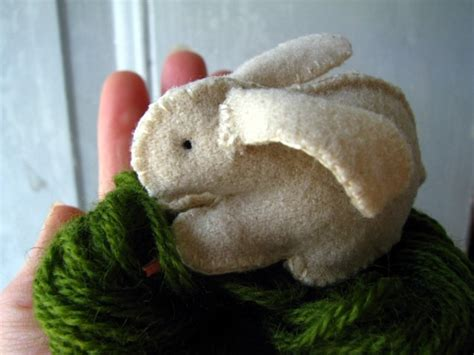 free pattern felt bunny 7 easter bunny patterns diy gifts