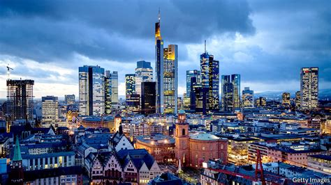 Frankfurt Mba Gmat by Frankfurt Woos Bankers Attraction