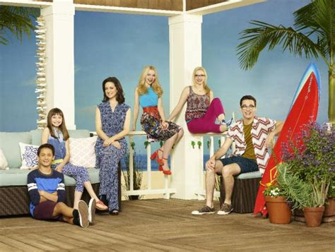 liv and maddie california style quot liv and maddie cali style quot episode quot sorta sisters a