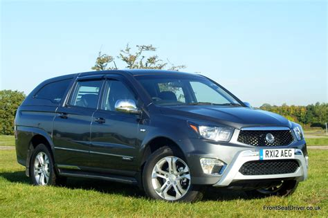 ssangyong korando sports ssangyong korando sports 2012 front front seat driver
