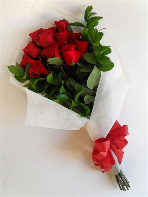imagenes de flores rojas y blancas m 225 s de 17 ideas fant 225 sticas sobre rosas rojas en pinterest