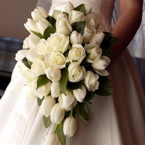 buche di fiori per sposa bouquet da sposa 2017 8 tendenze da sfoggiare al tuo