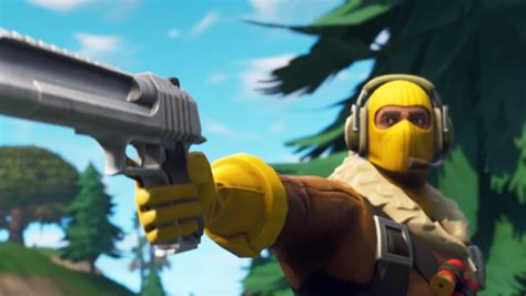fortnite battle royale hand cannon guide damage stats