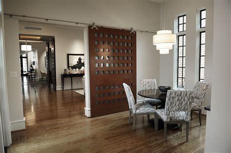 desain lemari hemat tempat desain pintu geser ini membuat rumah lebih hemat tempat