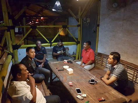 Buku Dinamika Wilayah Peri Determinan Masa Depan Kota Hadi 2 kapolres ajak jagongan ketua yayasan suyitno di cafe