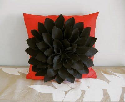 Handmade Felt Flowers Tutorial - no sew h is for handmade felt chrysanthemum pillow diy