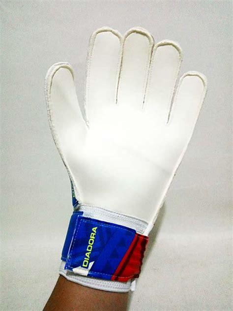 Sarung Tangan Kiper Diadora sarung tangan kiper diadora gk equipo c5881 brilliant blue