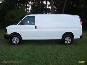 Chevrolet Work Vans 2010 Chevrolet Express 2500 Work In Summit White