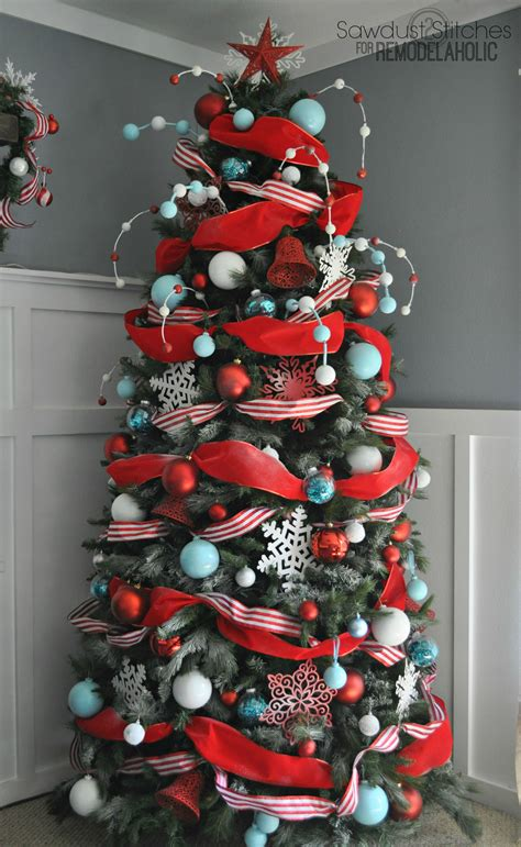 Red And White Striped Christmas Ornaments - 30 christmas tree ideas for an unforgettable holiday architecture amp design