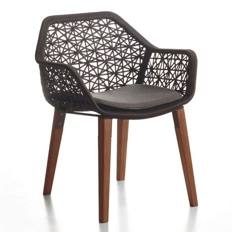 urquiola outdoor furniture urquiola refreshes maia outdoor furniture collection