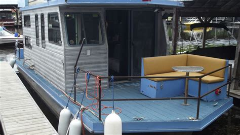 sundance houseboats chris craft sundance houseboat 1982 for sale for 9 999