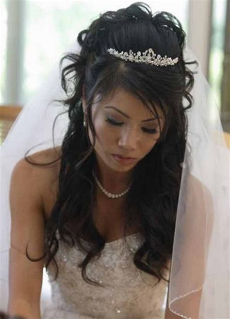wedding hairstyles half up half down with tiara and veil wedding hair half up half down with veil