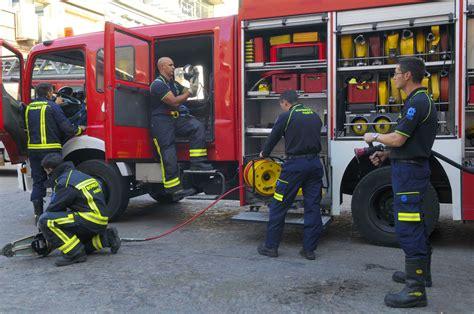 imagenes impresionantes de bomberos nuevo vestuario para los bomberos ayuntamiento de madrid