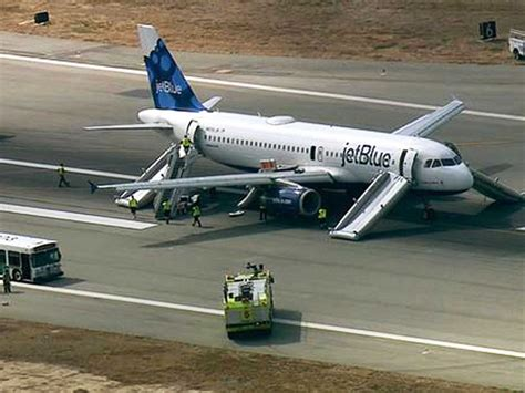 landing in las vegas commercial aviation and the of a tourist city shepperson series in nevada history books jetblue flight makes emergency landing as twilight