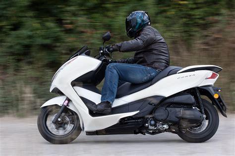 Honda Motorrad 300 honda forza 300 mf08 2013 motorrad fotos motorrad bilder