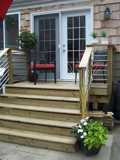 Back Porch Stairs Design 25 Best Ideas About Small Deck Designs On Pinterest Small Decks Decks And Deck