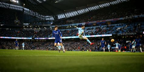 Tshirtt Shirtkaosoblongsablon Bola Klub Manchester City perlakuan pemain manchester city pada chelsea adalah penghinaan bola net