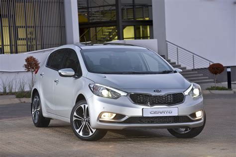 Kia Cerato Hatch Back Kia Cerato Hatchback Specs And Prices For Sa Cars Co Za
