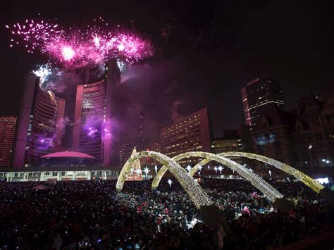 new year events toronto world welcomes 2015 see the most spectacular celebrations