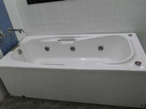 Price Of A Bathtub by Ceramic Bath Tub In Mulund W Mumbai Maharashtra India