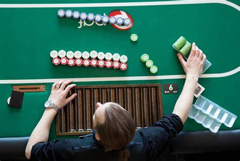 videopoker jogos de casinos  videopoker gratis