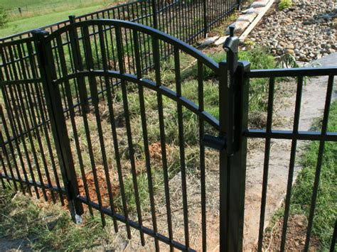 backyard metal fence aluminum backyard fencing bryant fence company