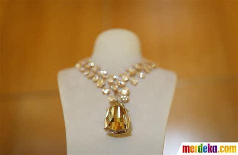 Berlian Medan Kalung Tura V 1 foto kalung emas berlian termahal sejagat dipamerkan di singapura merdeka