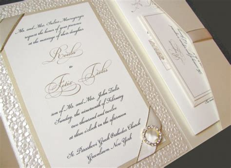 8 invitation ideas for your destination wedding abroad weddinglovely - Invitations Weddings Abroad