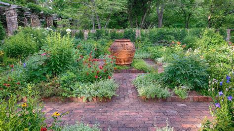 garden paths 7 beautiful garden paths to inspire your next outdoor project