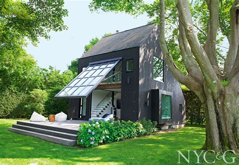 Architect Guillermo Gomez Turns A Former Chicken Coop Into New York Cottages