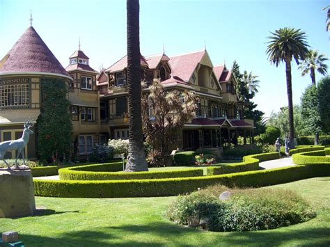 winchester house 15 fascinating stories of haunted houses
