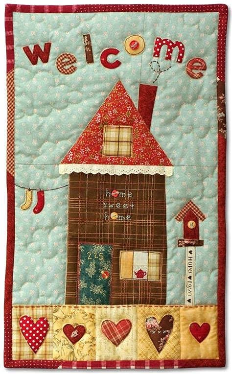 Quilt Home 25 best ideas about hanging quilts on mini