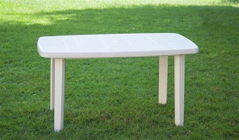 tavoli plastica da giardino tavoli da giardino plastica mobili giardino tavoli per