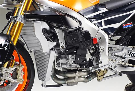 Tamiya 1 12 Repsol Honda Rc213v 2014 1 12 honda rc213v repsol quot marc marquez quot 14130 tam14130