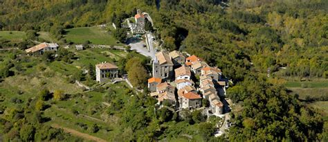 smallest city in us hum the smallest city in the world coloursofistria com