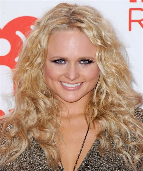 Miranda Lambert Long Curly Casual Hairstyle   Medium