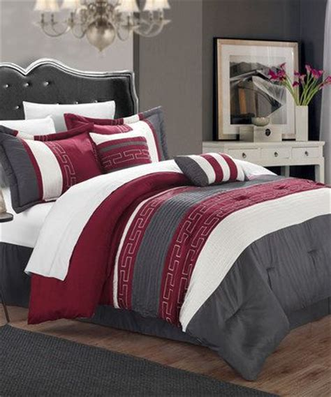 maroon bedspreads 25 best ideas about maroon bedroom on maroon room purple accents and purple bedding